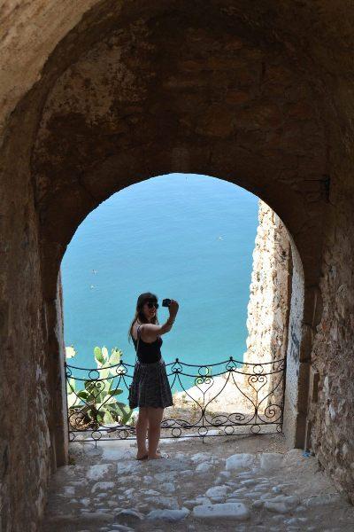 Turista tirando selfie