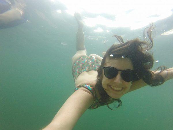 Nadando no lago de furnas em Capitólio Minas Gerais