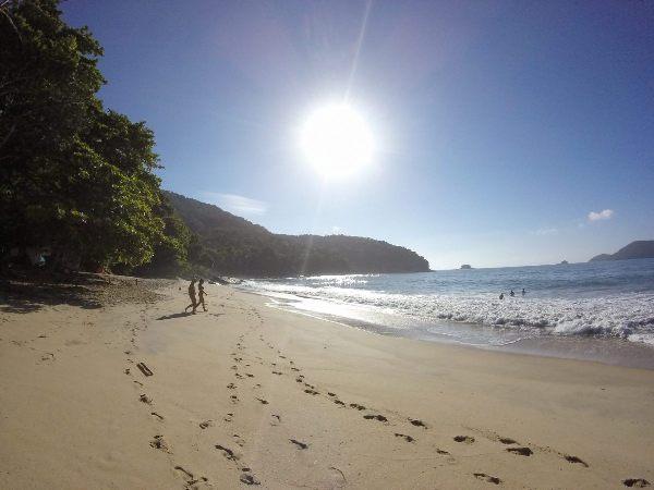Trilha para as 7 praias desertas em Ubatuba