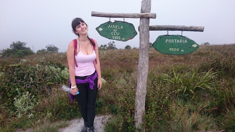 À caminho da Janela do Céu no Pico Ibitipoca Lombada