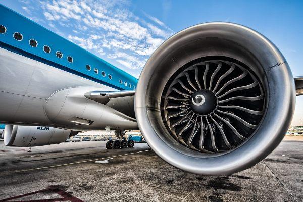Entenda como a espiral no motor do avião serve de alerta
