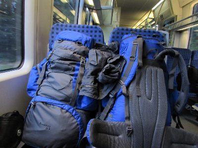 Procura-se a minha metade da mochila! Alguém que queira conhecer o mundo. Gente aventureira, que ame explorar cada canto que passa...