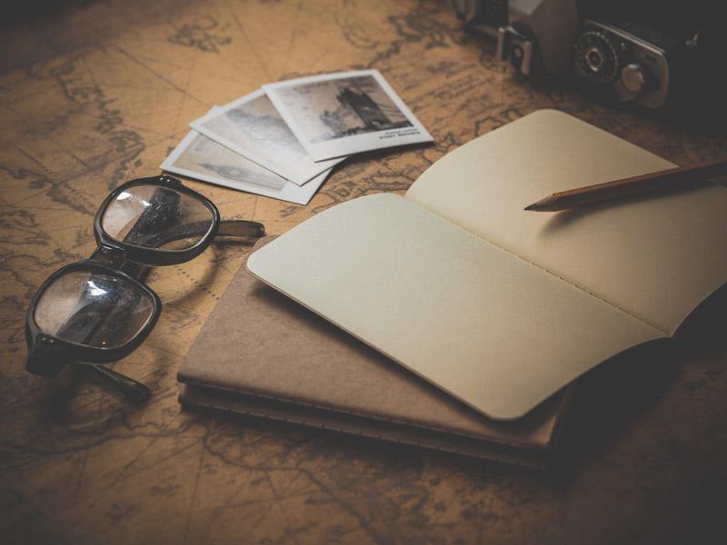 Viciado em viajar planeja várias viagens simultaneamente
