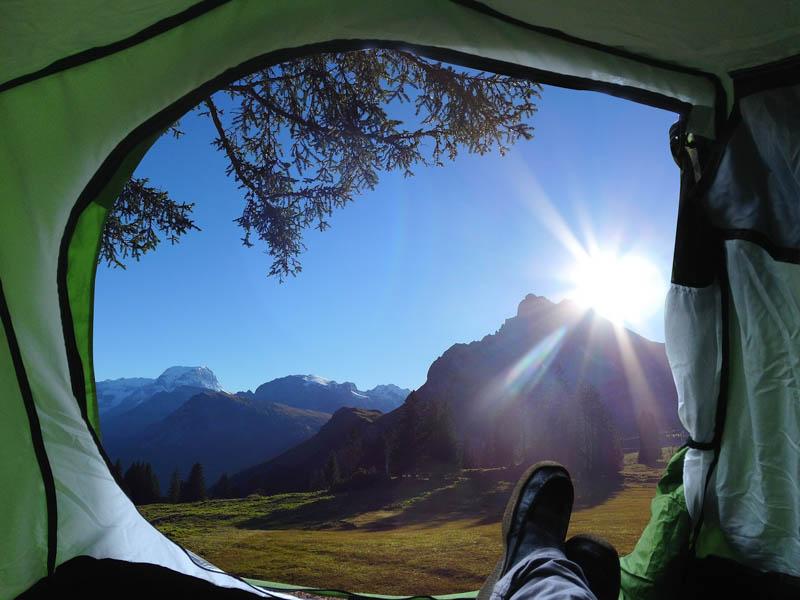 O que levar para acampar e trilhar