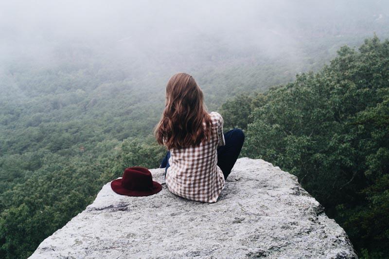medo de viajar sozinha