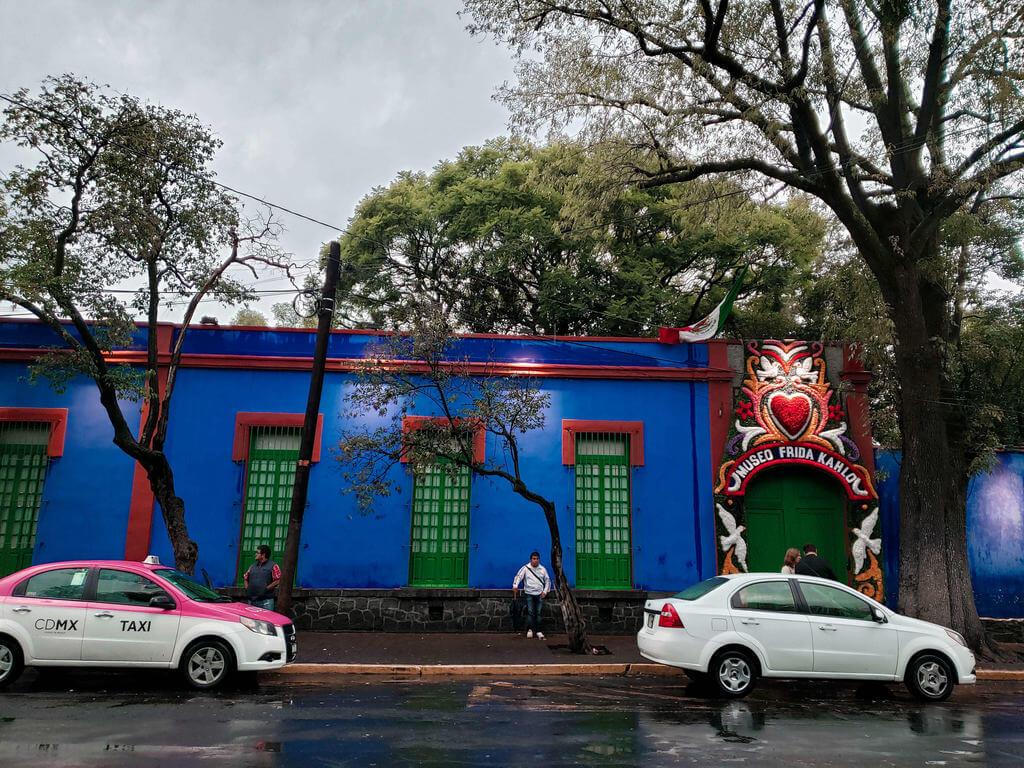 entrada do museu e antiga casa de Frida Kahlo