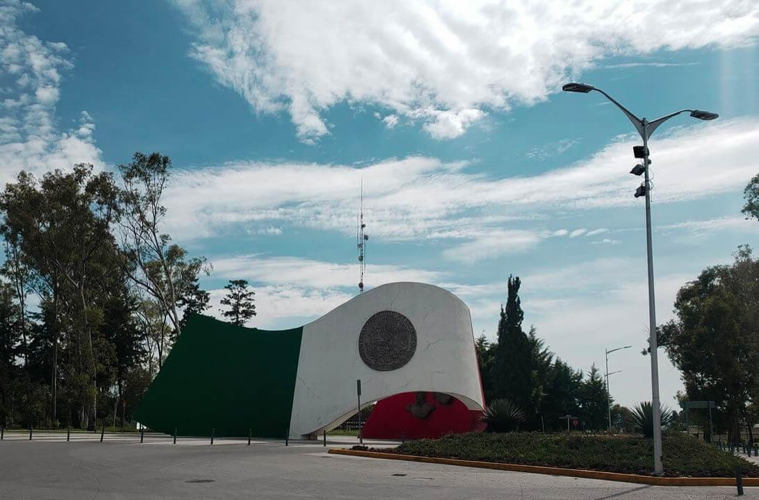 monumento a la bandeira 5 de mayo