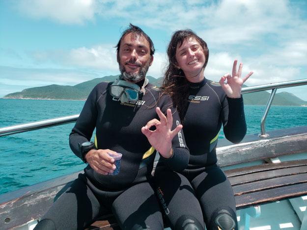 mergulhadores em arraial do cabo