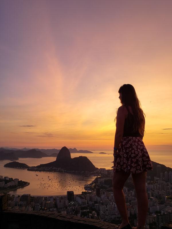 nascer do sol no Mirante Dona Marta no Rio de Janeiro