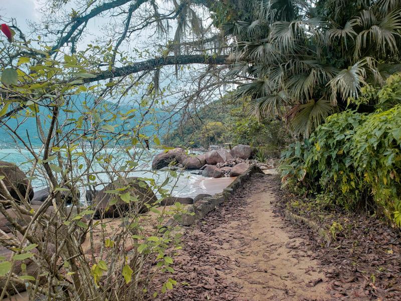 trilha das 7 praias beirando mar ubatuba