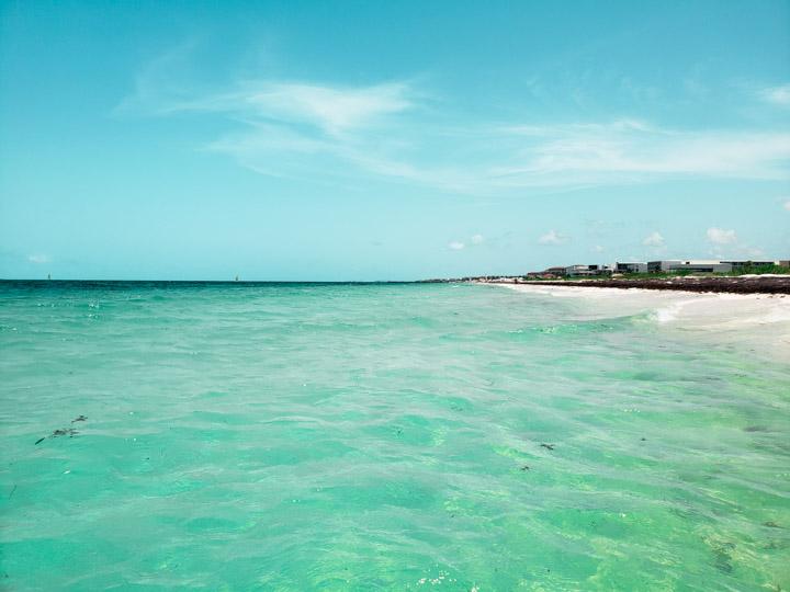Praia Costa Mujeres deserta