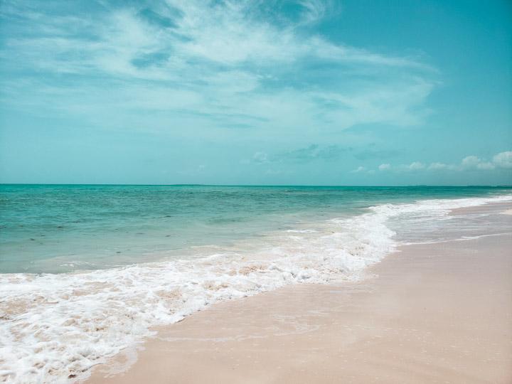 Praia deserta em Cancun
