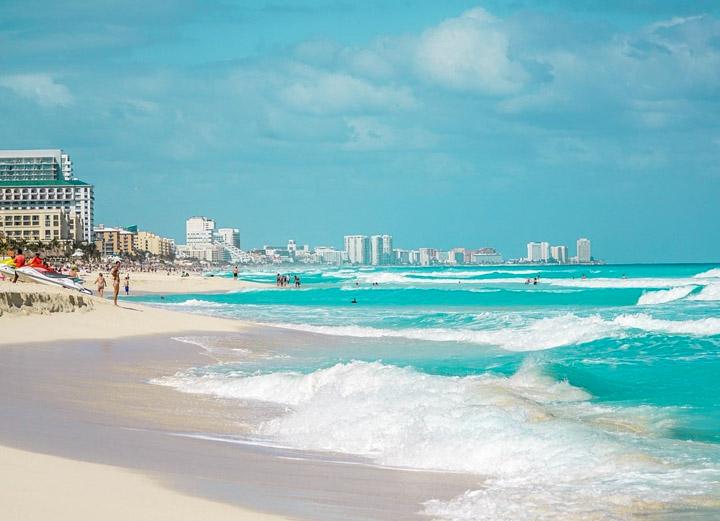 Ondas da Playa Chac Mool em Cancun