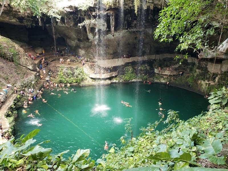 Cenote Zaci no centro de Valladolid