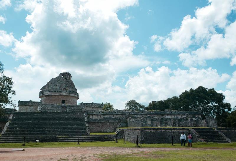 Observador El Caracol sítio arqueológico maia