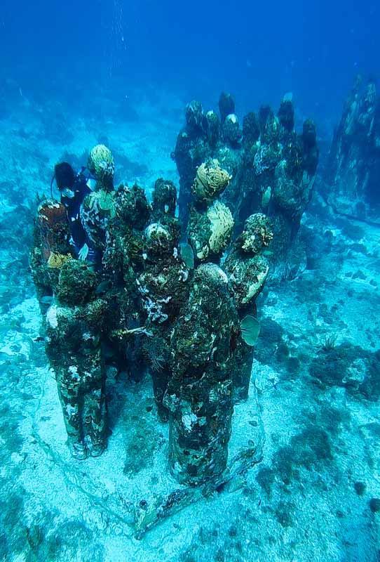 esculturas do MUSA em Isla Mujers