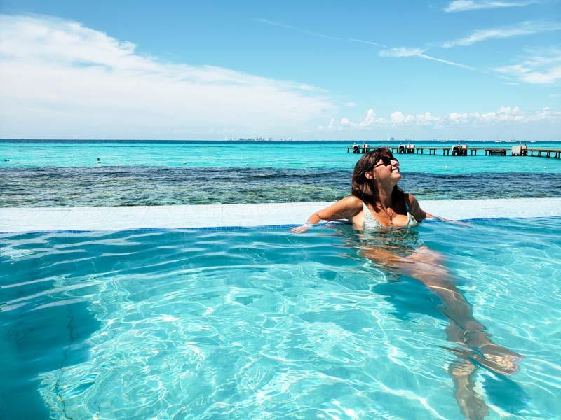piscina infinita Parque Garrafon em Isla Mujers