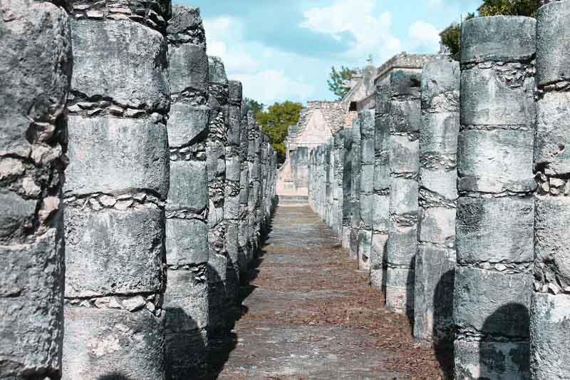 Plaza de las Mil Columnas Chichén Itzá
